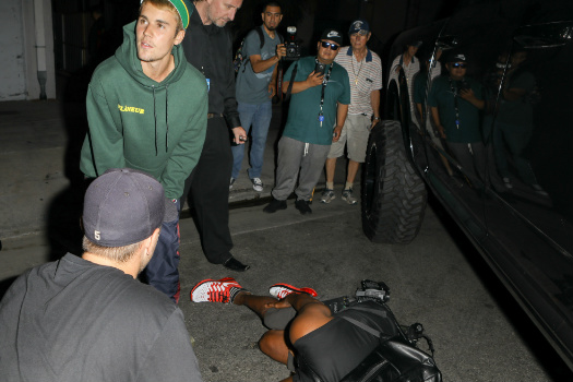 Justin Bieber atropella a un fotógrafo por accidente